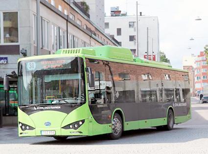 För första gången registrerades ett tvåsiffrigt antal elbussar i Sverige under en månad. Transdev topg emot tio BYD till Eskilstuna.