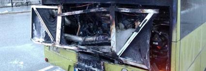 Haverikommissionen konstaterar att bränderna berodde på en spricka i LED-lamporna i kombination med alltför stora säkringar. Foto: Polisen Norge.