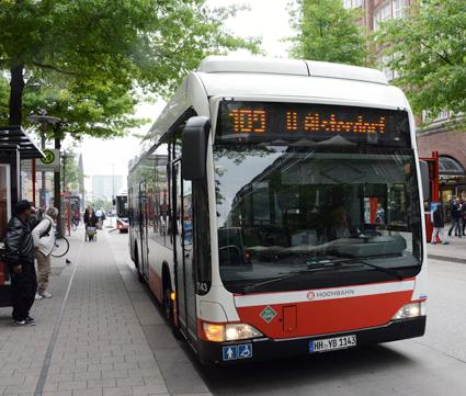 På linje 109 har Hamburger Hochbahn även testat bränslecellsbussar. Foto: Ulo MAasing.
