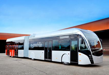 Den vätgasdrivna BRT-linjen ska trafikeras med Van Hool Exqui.City i 18-metersversion, i grunden samma bussmodell som används för MalmöExpressen. Bussen på bilden är dock en helt elektrisk version för Hamburg. Foto: Van Hool.
