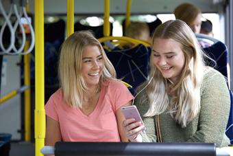 Allt fler tar bussen i Trollhättan och Vänersborg. Foto: Thomas Harrysson.