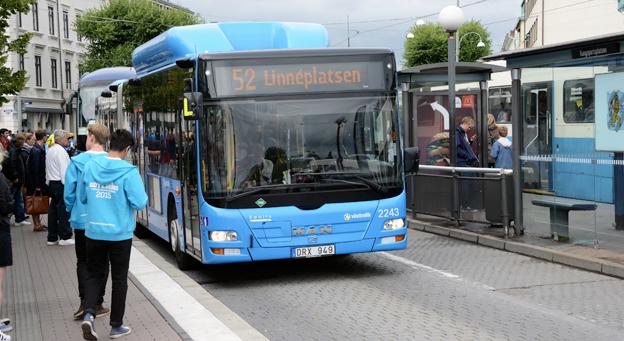 Tydligare, tidigare, senare. Västtrafik har förbättrat de yttre utropen på bussar och spårvagnar. Foto: Ulo Maasing.