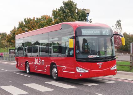 Irizar visade också en 10,8 meter lång batteribuss med sikte på den snabbt växande batteribussmarknaden i London och andra brittiska städer. Foto: Ulo Maasing.