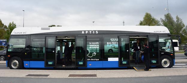 Spårvagnstillverkaren Alstom visade på Busworld sin unika elbuss Aptis. Serietillverkning inleds under senare delen av 2018. Foto: Ulo Maasing.