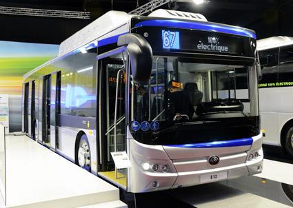 Yutyong hade i sin montre världspremiär på en ny, tolv meter lång batteridriven stadsbuss. Foto: Ulo Maasing.