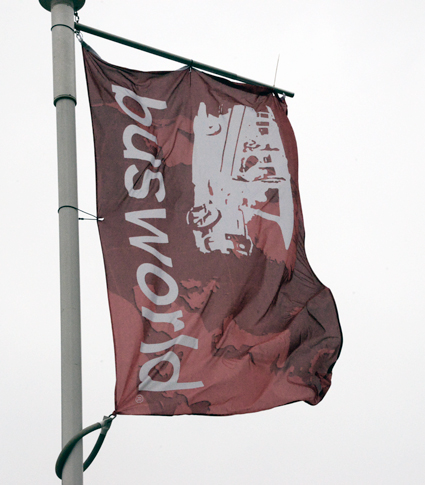 Busworld lämnar KOrtrijk med flaggan i topp. Foto: Ulo Maasing.
