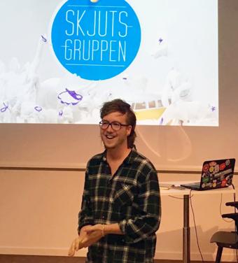 Skjutsgruppens grundare Mattias Jägerskog blev Trafiklabhjälte i fjol. Nu är jakten på årets hjälte igång. Foto: Trafiklab.