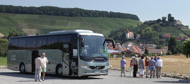 21 organisationer i europeisk bussnäring kräver i ett gemensamt upprop till samtliga EU-regeringar att bussturismen och internationell busstrafik ska få rimligare villkor. Foto: Volvo Bussar.