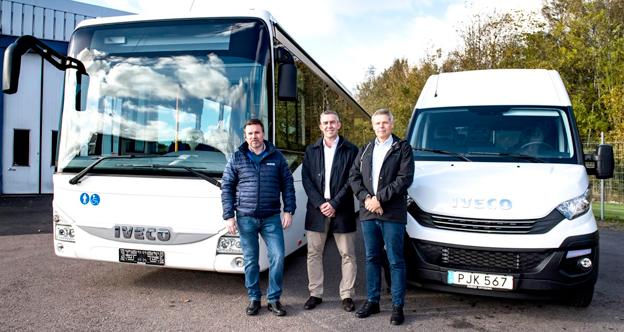 Karlssongruppen och Iveco Bus sår till offensiv i Sverige. Från vänster: Adam Djupfeldt, försäljningschef Wetlandia AB, Claus Skipper, Business Line Manager Iveco Bus i Norden och Peder Jältborn, Verkställande direktör för Wetlandia AB.