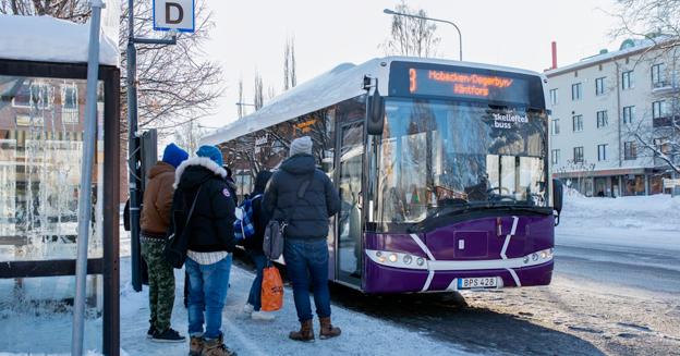 Det blir avgiftsfritt på bussen även i framtiden för färdtjänstberättigade i Skellefteå. Foto: Patrik Degerman.