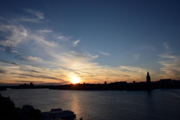 Solnedgång över Riddarfjärden och Kungsholmen i Stockholm. Foto: Ulo Maasing.