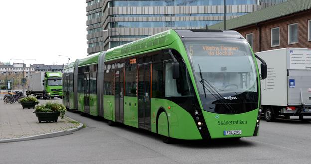 Prioriteringen av järnvägstrafiken slår enligt bussföretagen ekonomiskt mot den kollektivtrafik som körs på väg – och som står för den största delen av resandet. Foto: Ulo Maasing.