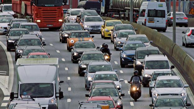 Trängseln på vägarna i Göteborg ökar snbbt. Nu startar Västtrafik en jättekampanj för att locka bilister till kollektivtrafiken. Foto: Västtrafik.