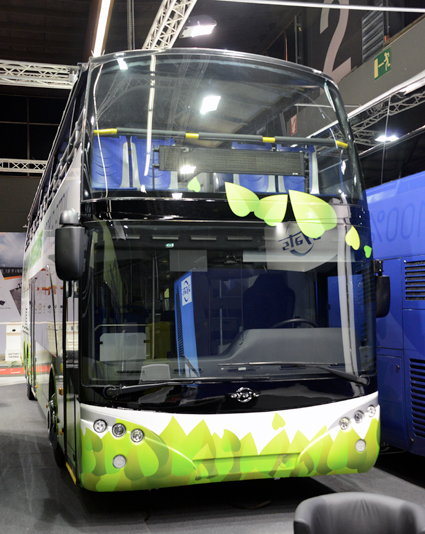 Även Ayats visade en eldriven open-topbuss på Busworld. Foto: Ulo Maasing.