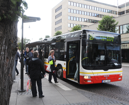 """Bussförarbristen i Jönköpings län är akut. Keolis, som kör stadstrafiken i Jönköping, behjöver 35 nya förare. """"De kan få börja direkt"""", säger företaget. Foto: Ulo Maasing."""