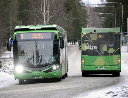Användningen av förnybara drivmedel i kollektivtrafiken ökar snabbt. Elbussarna i Umeå körs på förnybar el. Foto: Ulo Maasing.