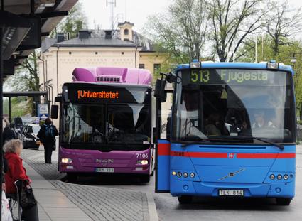 Länstrafiken Örebro blir först i svensk kollektivtrafik med snabba, kontaktlösa kortbetalningar på bussarna. Foto: Ulo Maasing.