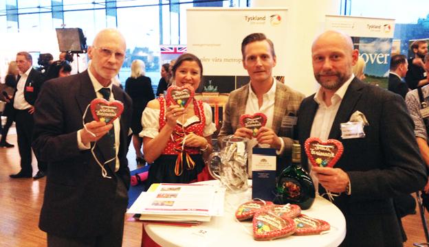 Med smak för Bremer Freimarkt: Jürgen Wenderhold från Bremens turistbyrå, Tyska turistbyråns Iris Müller samt Andreas Tingdal och Anders Nord från RK Travel Group.